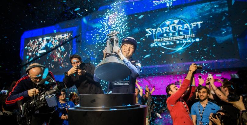 Lee 'Life' Seung Hyun, grand vainqueur de la 2014 Starcraft II World Championships @ Blizzcon 2014
